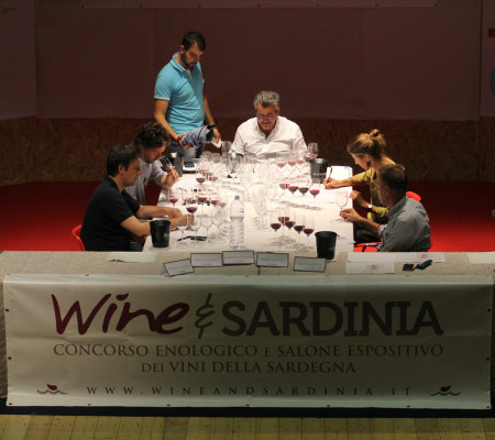 Wine-and-Sardinia-Concorso-2015---commissione1